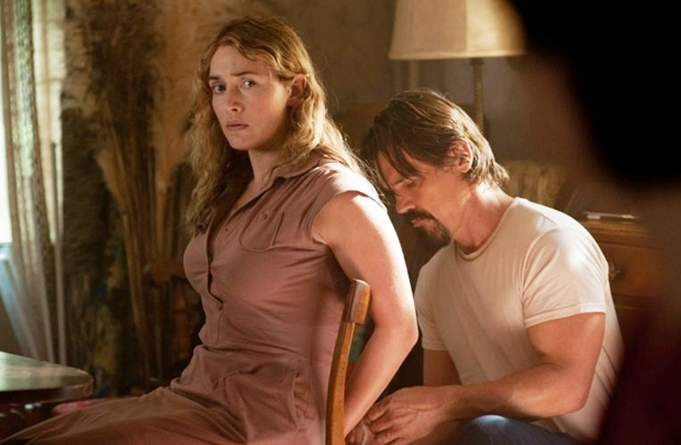 Filme com Kate Winslet e Josh Brolin trata de temas polêmicos, como violência sexual (Dale Robinette/Paramount Pictures)