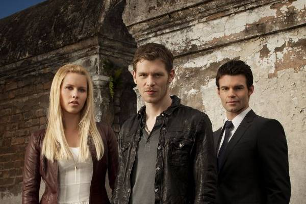 Em nova atração, público conhecerá melhor o vampiro Klaus (C), de The vampire diaries  (MTV/Divulgação)