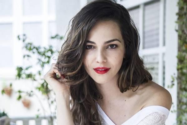 Tainá Müller diz que só o autor poderá decidir sobre o futuro amoroso de sua personagem lésbica (Cynthia Salles/TV Globo)