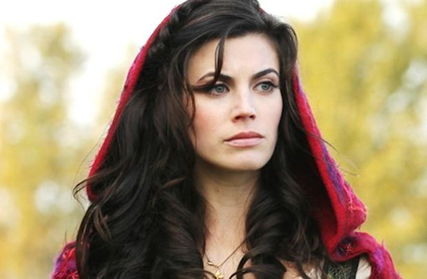 Com a saída de Meghan Ory do elenco regular, a série deve contar apenas com participações esporádicas de Chapeuzinho Vermelho (Sony Brasil/Divulgação)