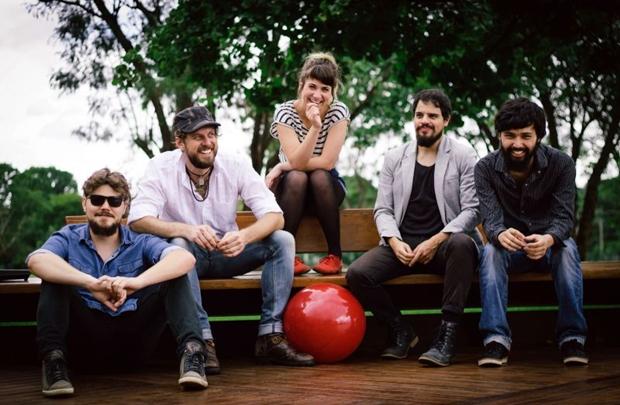 A banda mais bonita da cidade mostra o repertório do último disco  (Breno Galtier/Divulgação)