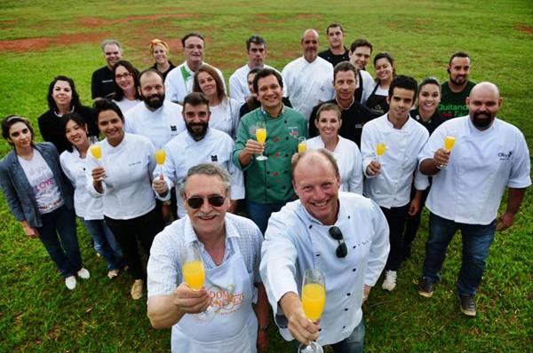 Chefs oferecem suas criações a preços populares no gramado do CCBB (Bruno Peres/CB/D.A Press)
