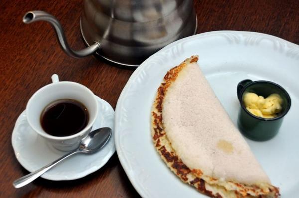 O estabelecimento também oferece tapioca recheada com vários sabores  (Antonio Cunha/Esp. CB/D.A Press)