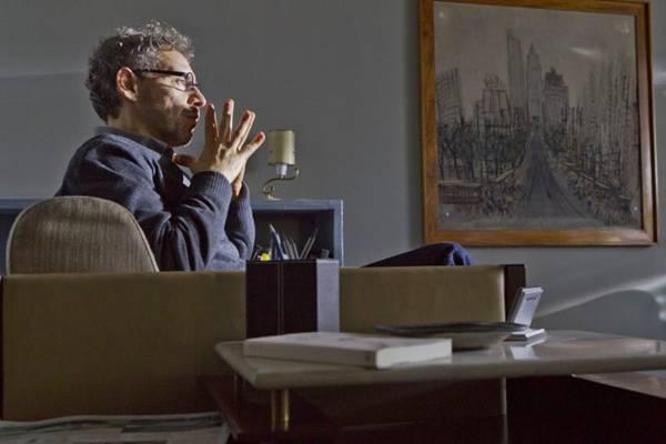 O dia a dia do analista Carlo Antonini é o foco da trama de Psi (Hbo/Divulgação)