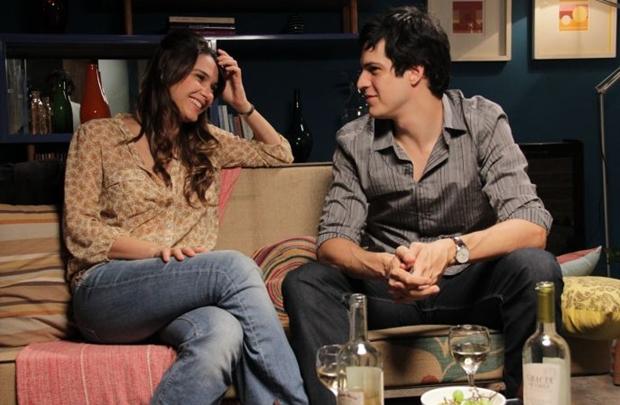 A dupla protagoniza o longa de Michel Tikhomiroff (Downtown Filmes/Divulgação)