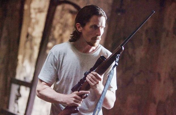 Christian Bale vive um homem com sede de vingança (Imagem Filmes/Divulgação)