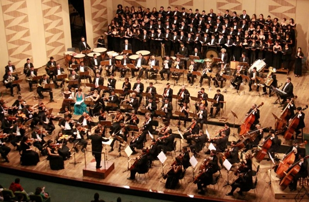A Orquestra do Teatro Nacional homenageia a Alemanha em concerto (Alan Moreira/Divulgação)