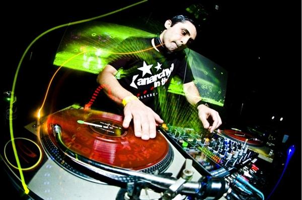 DJ Nedu Lopes (Leandro Godoi/Divulgação)