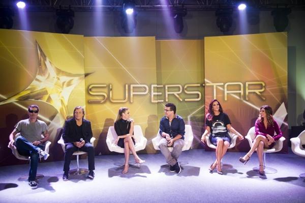 Quadro de jurados e apresentadores do programa  (João Miguel Júnior/TV Globo)