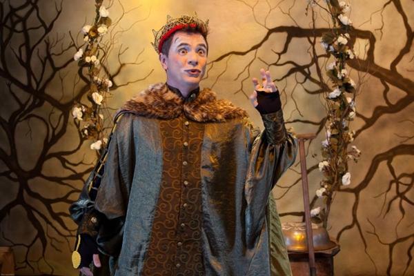 O clássico Hamlet ganhou releitura especialmente criada para adolescentes (João Caldas/Divulgação)