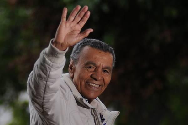 Monarco interpreta sucessos de seis décadas de samba, nesta sexta-feira, no Arena Futebol Clube ( Iano Andrade/CB/D.A Press)