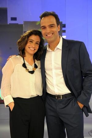Renata Vasconcelos e Tadeu Schmidt formam a nova dupla de apresentadores do Fantástico (Globo/João Cotta)