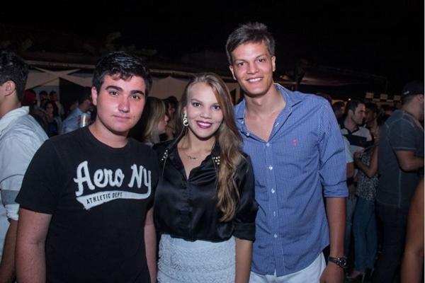 Raphael Alves, Clarissa Ribeiro e Victor Eustáquio (Romulo Juracy/Esp. CB/D.A Press)