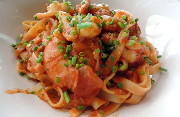 Talharim com frutos do mar, prato do restaurante Rubaiyat ( Liana Sabo/CB/D.A Press)