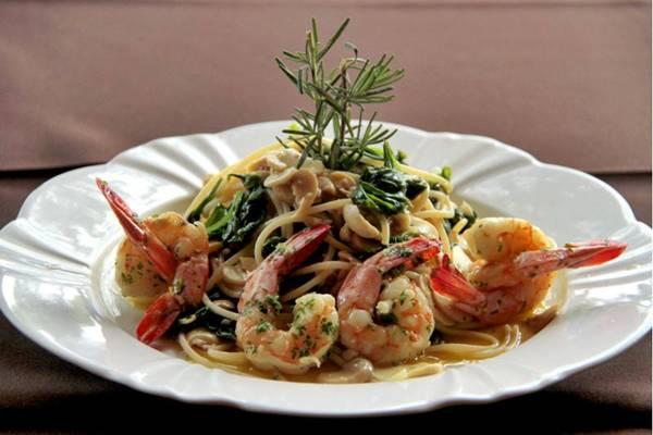 Espaguete e camarões, prato criado por Ana Toscano em homenagem às moradoras da capital  (Ana Rayssa/Esp. CB/D.A Press)