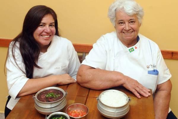 Meire e Lourdes Cardoso, do D'Lurdes, resgatam preparos com sabor caseiro  (Antonio Cunha/CB/D.A Press)