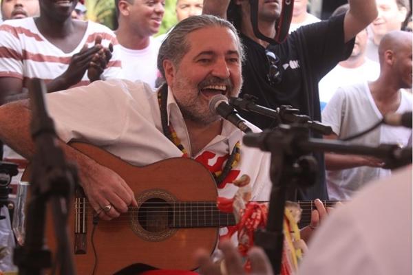 Moacyr Luz lembrará clássicos no show Samba do Trabalhador  (Caru Ribeiro/Divulgação)