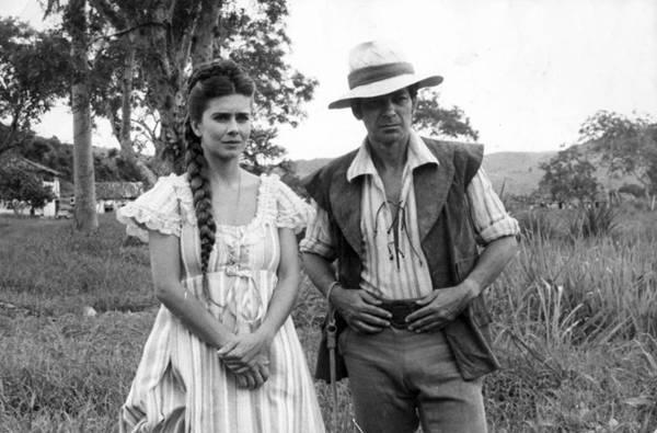 Maitê Proença e Grancindo Jr. em cena na novela Dona Beija (Arquivo/Manchete)