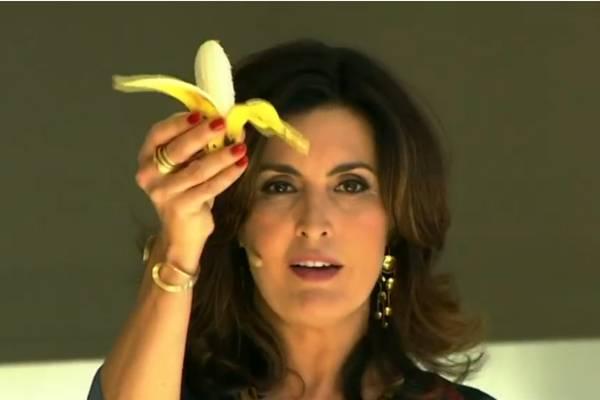 A atitude da apresentadora foi em apoio ao jogador Daniel Alves (Reprodução/TV Globo)