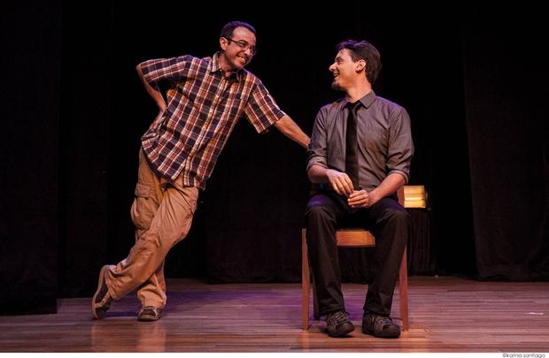Os humorista se revezam em cenas improvisadas para divertir a plateia  (Karina Santiago/Divulgação )
