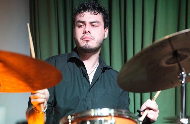 O baterista Allen Pontes abre a programação do festival  (Paulinho Bandeira/Divulgação )
