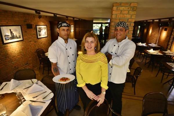 Celina Gonçalves convocou os chefs Toni Amaral (esq) e Artur Gulfi para comandar a cozinha italiana do Piacere (Daniel Ferreira/CB/D.A Press)