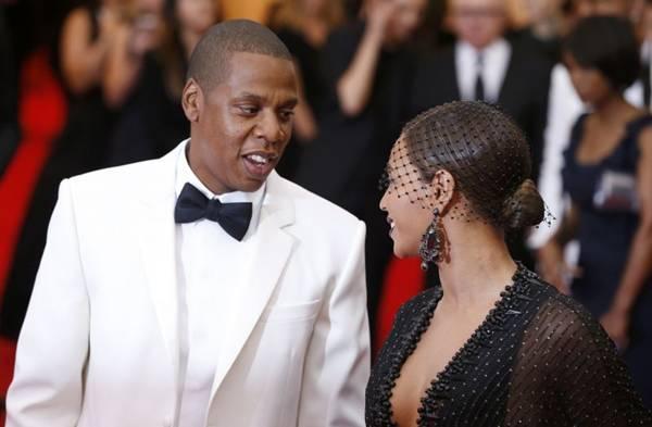 Jay Z pede Beyoncé em casamento durante evento em NY (REUTERS/Lucas Jackson)