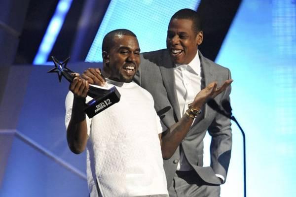 Jay-Z aceita convite e será padrinho no casamento de Kim e Kanye West (PHIL MCCARTEN/Divulgação)