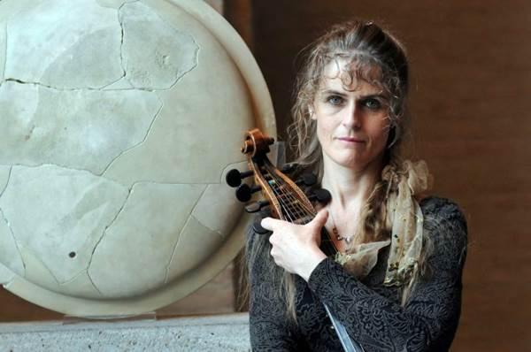 Musicista Friederike Heumann (Dorothee Falke/Divulgação)