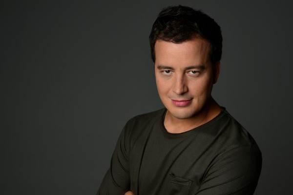 Rafael Cortez encara nova missão como apresentador de reality show (Rodrigo Schmidt/Divulgação)