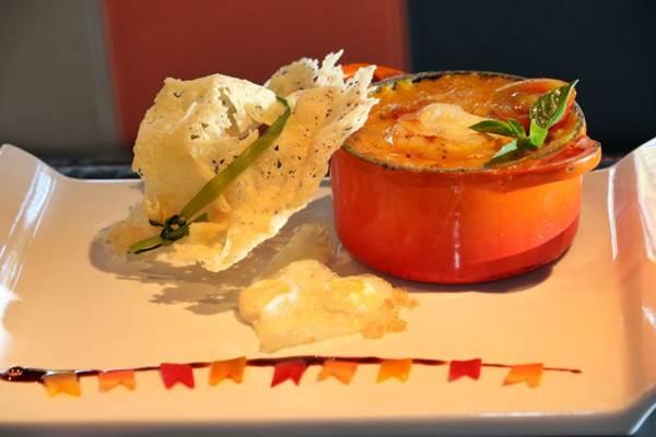 O prato ganha decoração junina no restaurante D.O.C (Oswaldo Reis/Esp. CB/D.A Press)