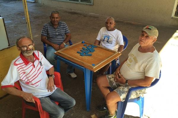 O dominó é um esporte que trabalha a concentração e o raciocínio dos jogadores (Paulo César Vieira/Divulgação)