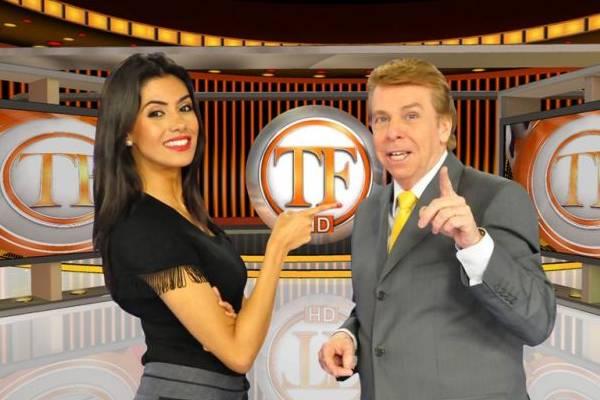 Ícone dos programas de fofoca, o apresentador Nelson Rubens lidera audiência na RedeTV (RedeTV/Divulgação)
