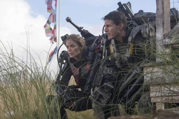 Cenas de batalha fazem alusão à Segunda Guerra Mundial (Warner/Divulgação)