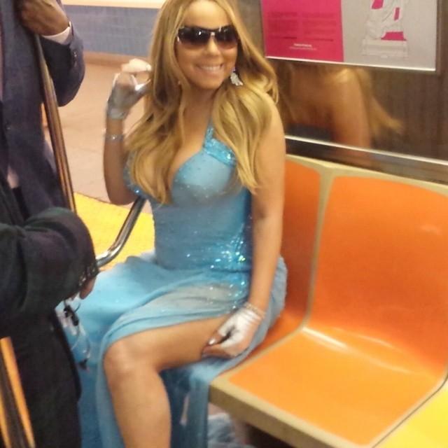 Mariah Carey no metro de Nova York após baile de gala (mariahcarey/instagram)