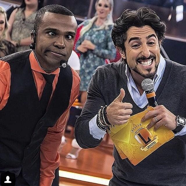 Alexandre Pires e Marcos Mion no programa Legendários (@marcosmion/Instagram)