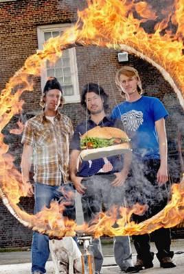 Micah, Chris e Nobu misturam culinária e engenharia  (TLC/Divulgação)