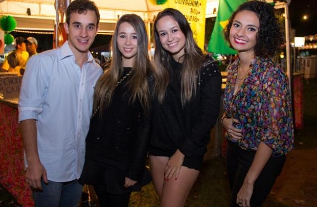 Delan Brezinski, Marcela Francis, Rebeca Pacheco e Joana Albuquerque ( Romulo Juracy/Esp. CB/D.A Press)