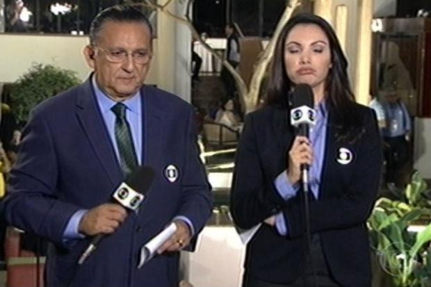 Ao lado de Galvão Bueno, a jornalista fez careta ( TV Globo/Reprodução)