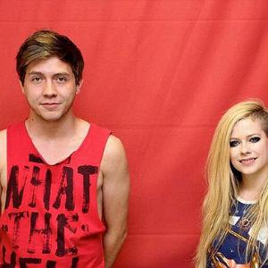 Avril Lavigne com os fãs brasileiros: não pode encostar  (TMZ/Divulgação)