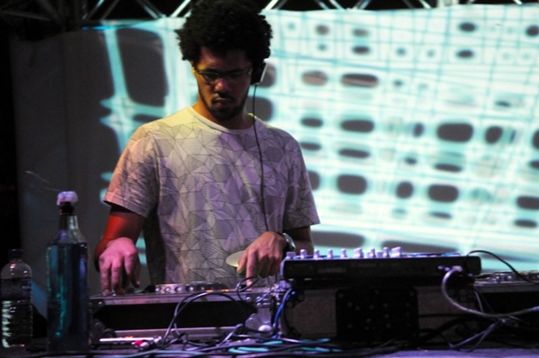 DJ Daniel Black está entre as atrações da noite  (Luis Xavier de França/Esp. CB/D.A Press)