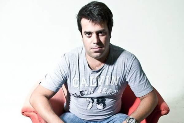 DJ Lúcio Balla se apresenta na festa ( Facebook/Reprodução)
