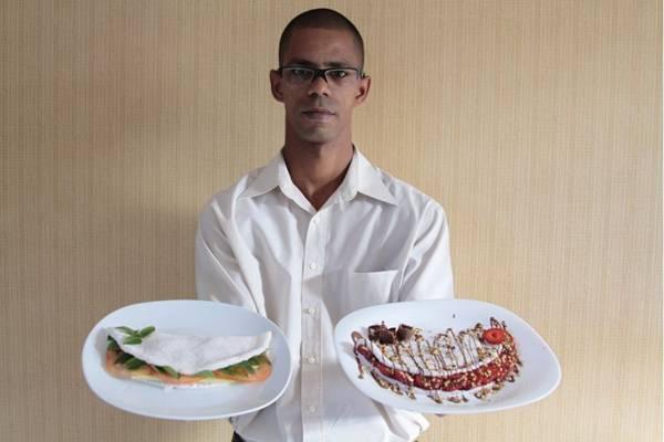 Durley Soares: ex-morador de rua se orgulha de comandar tapiocaria  (Viola Júnior/Esp. CB/D.A Press)