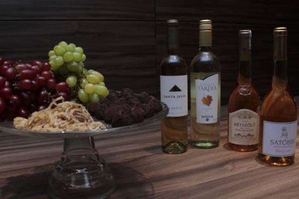 Vinhos que acompanham sobremesas, da Adega do Almeida (Ana Rayssa/Esp. CB/D.A Press)