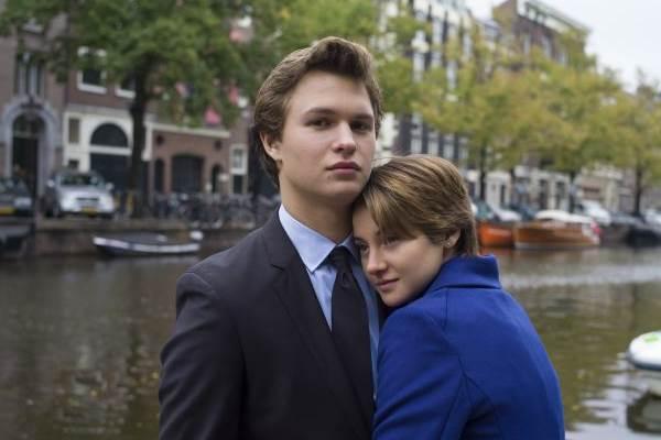 Boa química da dupla de protagonistas é um trunfo do longa adolescente (Fox Film/Divulgação)