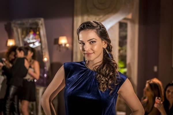 Tainá Müller interpreta Marina  (Paulo Belote/TV Globo)