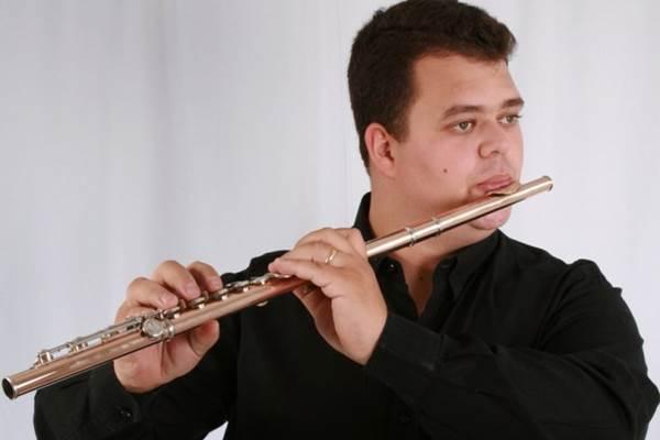 Sérgio Moraes se apresenta de quarta a sexta-feira na cidade ( Jefferson Norley/Divulgação)