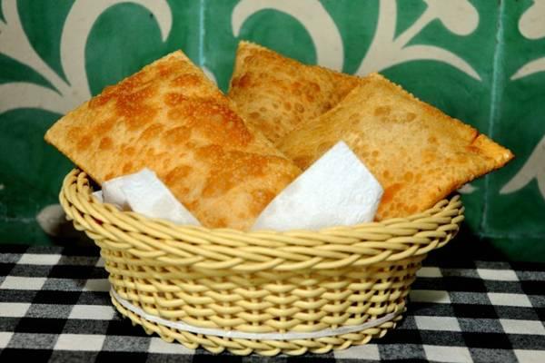 O pastel Mané Garrinchafaz sucesso entre os clientes da Viçosa (Antonio Cunha/Esp. CB/D.A Press )