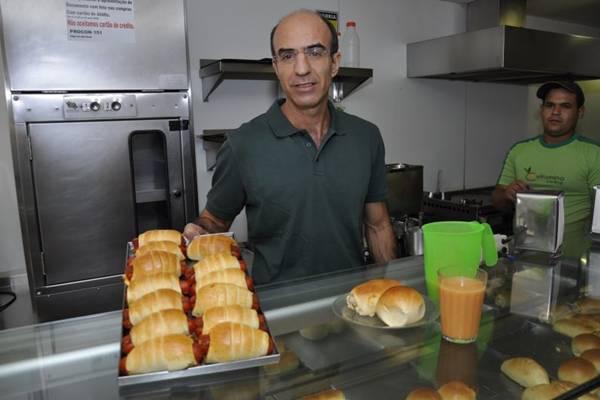 Clóvis de Carvalho, do Vitamina Central: casa atrai clientela com sucos feitos na hora (Andre Violatti/Esp. CB/D.A Press)
