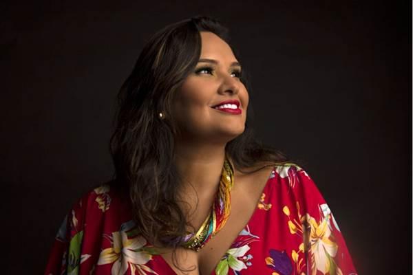 A cantora Emília Monteiro representa a música amapaense  no evento  ( Thiago Sabino/Divulgação)
